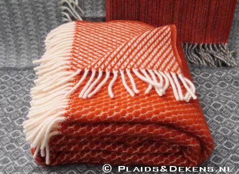 Oranje, rode en paarse wollen plaids
