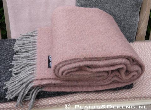 Roze wollen plaids