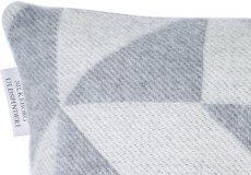 Kussenhoes Twist a Twill lightgrey 40x60 detail