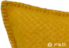 Kussenhoes Vega saffraan detail